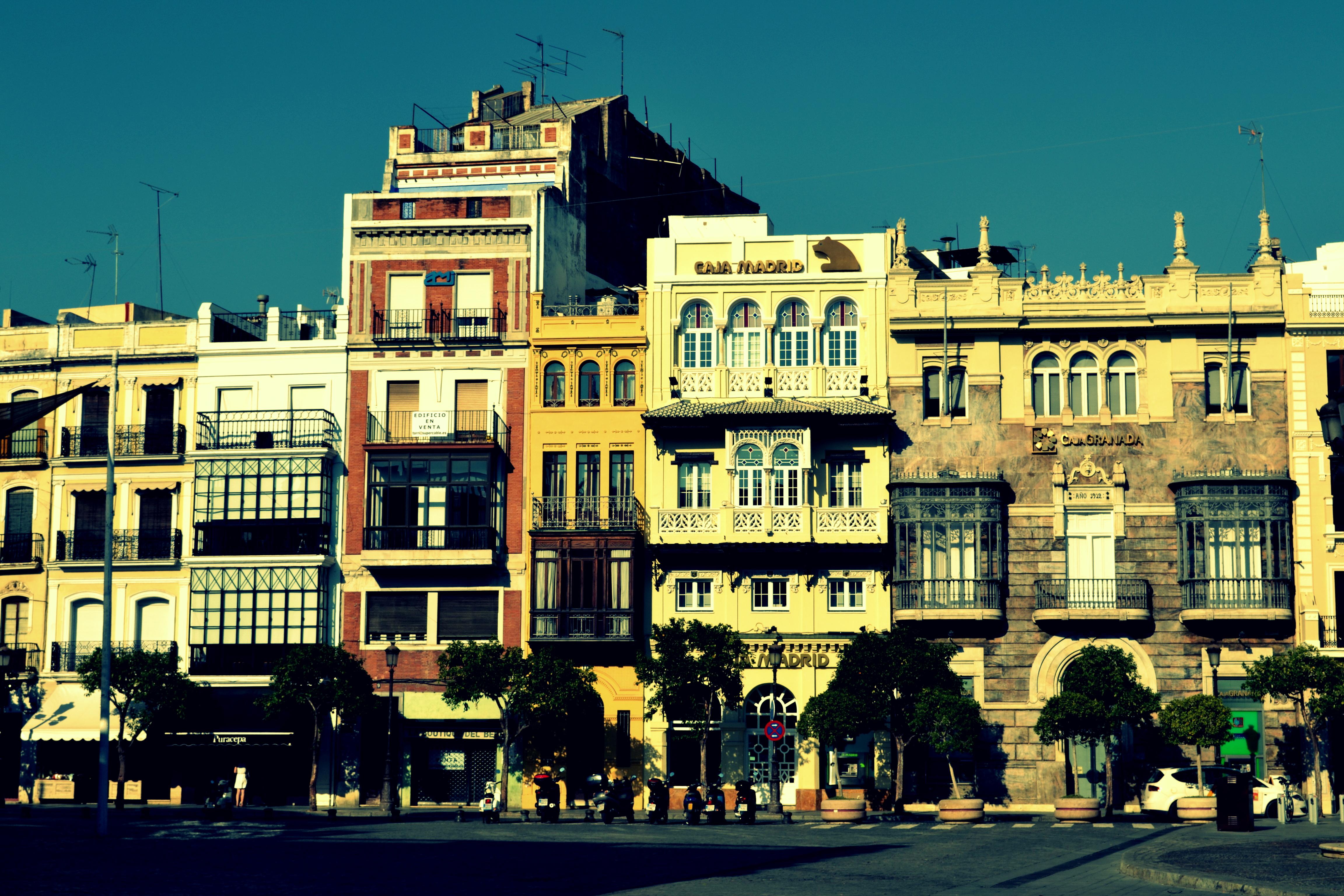 Siviglia in 3 indirizzitrip it easy trip it easy for Calle colorate non fioriscono