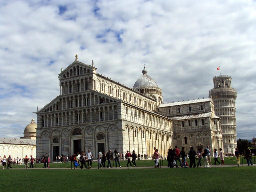Torre di Pisa, Battistero